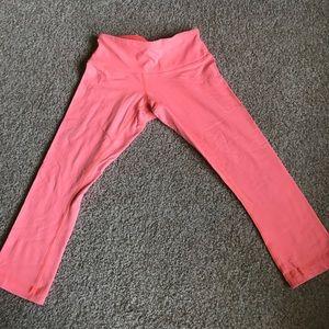 Lululemon pink cropped leggings